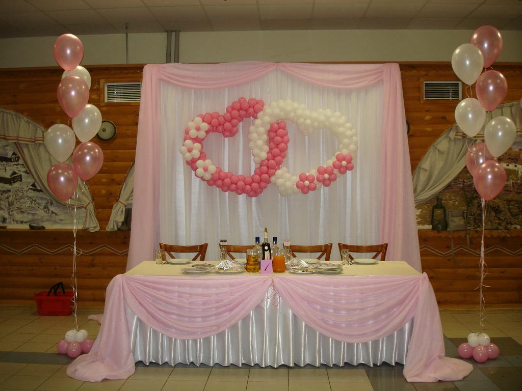 Как украсить зал на свадьбу своими руками лентами и шарами 22